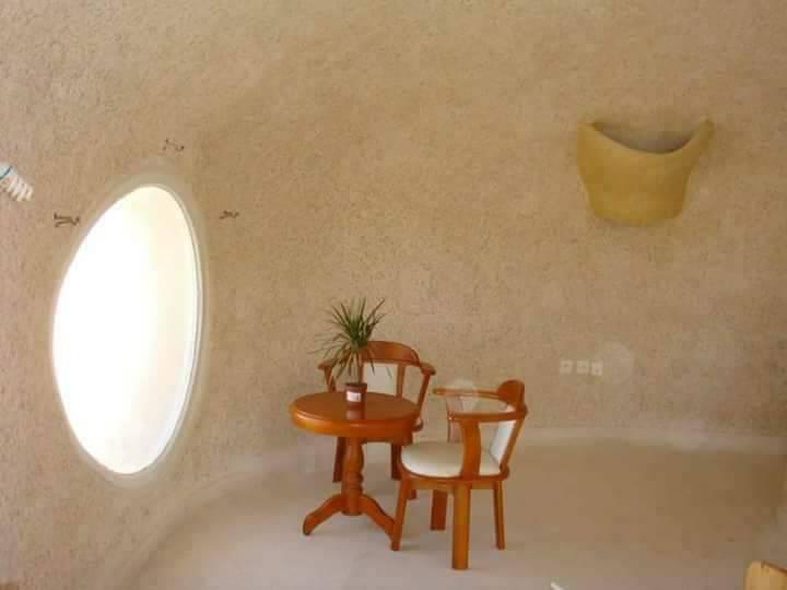salon au cabaneau du Village touristique de Bouzedjar à Ain Témouchent